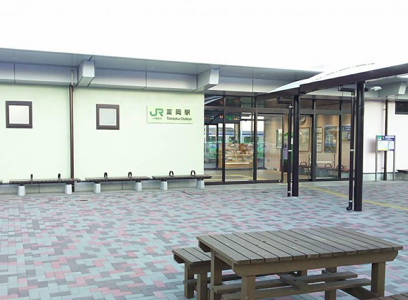 富岡駅の新駅舎