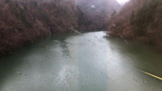 会津宮下駅出発後に見える第二只見川橋梁