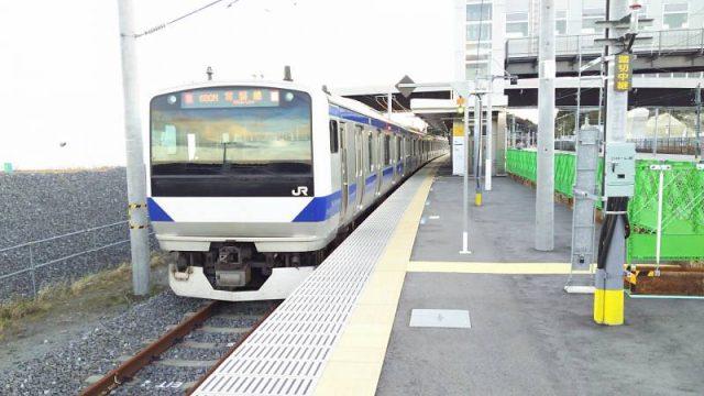 富岡駅に停車中の常磐線