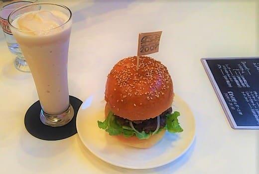 バーガーハーツのハンバーガー