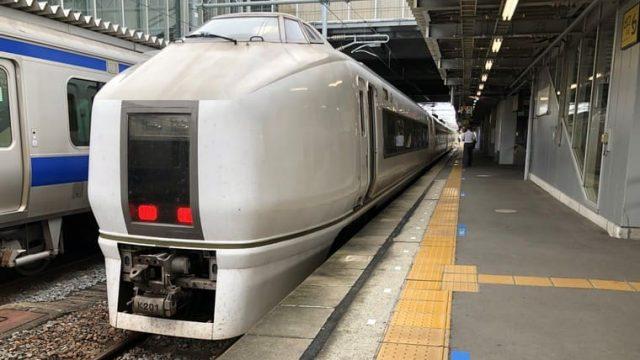 いわき駅に到着した651系普通列車