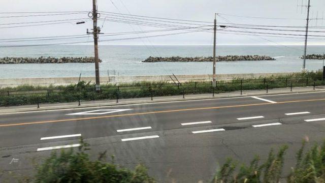 車窓から見える太平洋