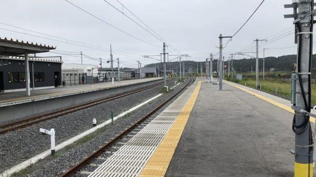 富岡駅の構内
