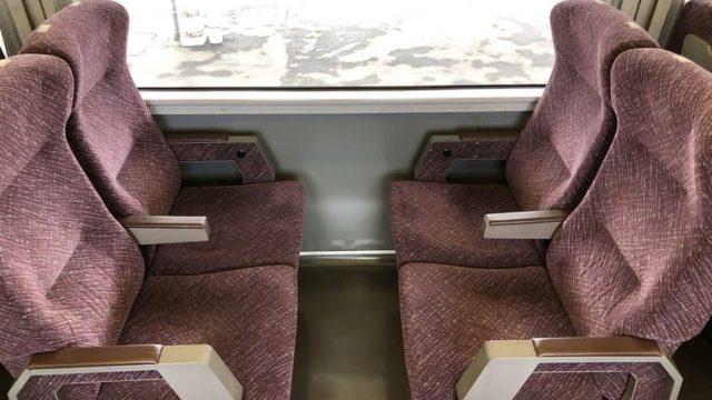 651系普通列車の座席