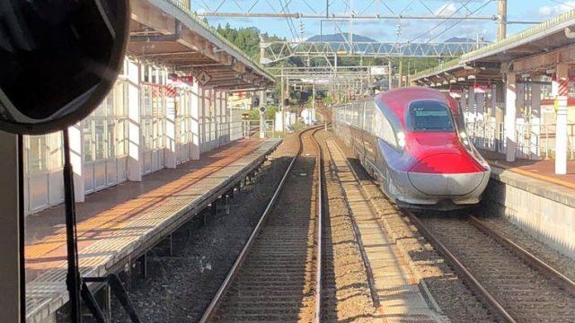 秋田新幹線との列車交換