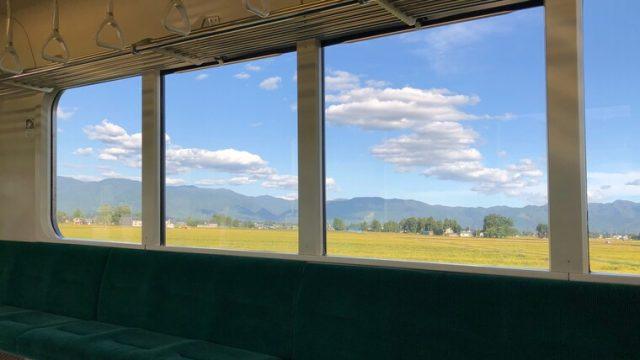 羽後四ツ屋駅周辺の反対側の車窓
