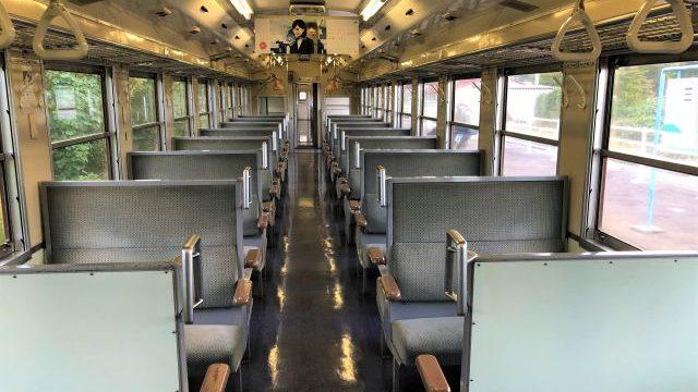 津軽線の車内