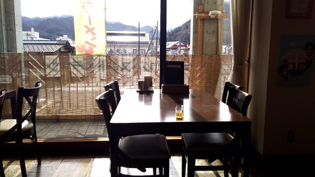 ヴォーノのテーブル席