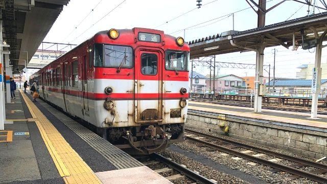 会津若松駅に停車中の磐越西線
