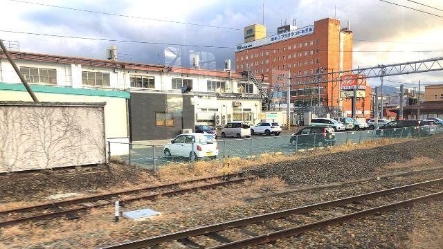 会津若松駅出発時の会津鉄道の車窓