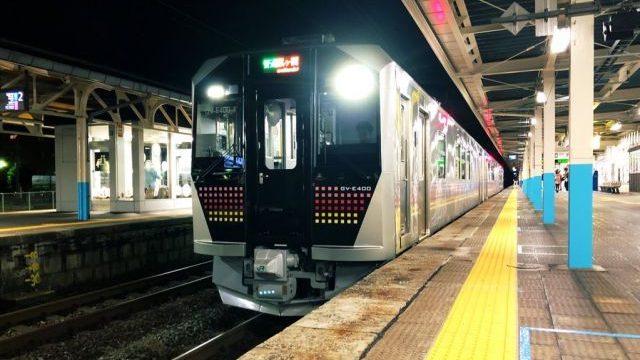 新発田駅に停車中のGV-E400系