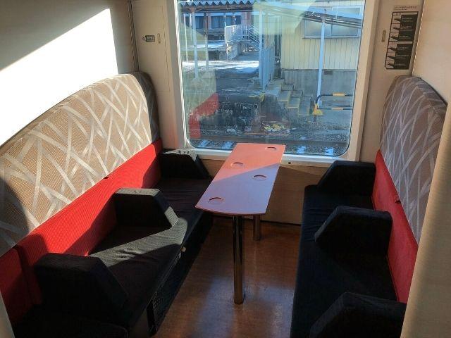 リゾートしらかみ青池編成の2号車にあるボックス座席
