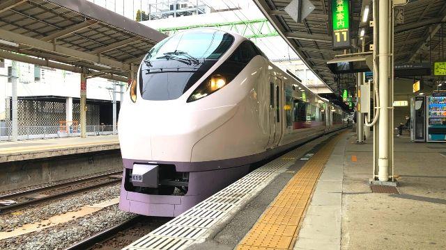 仙台駅に停車中の特急ひたち