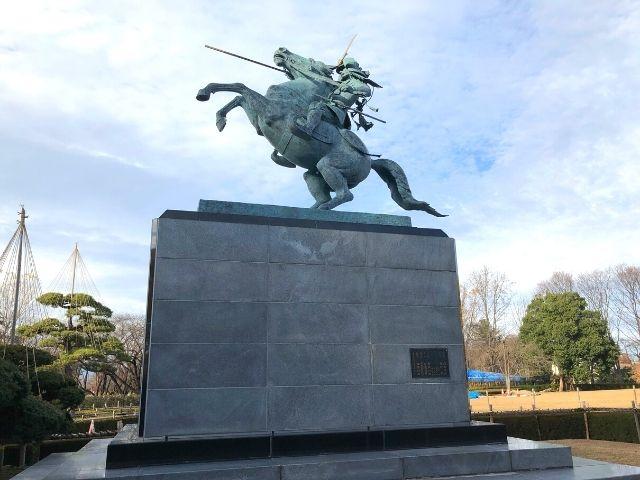 霞城公園内の最上義光の像