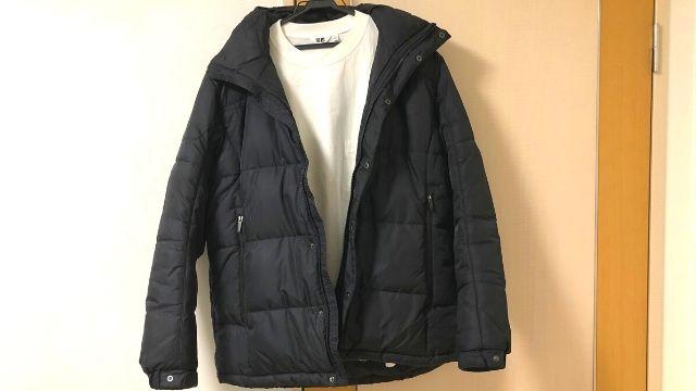 GIORDANOのダウンジャケットとユニクロのTシャツ