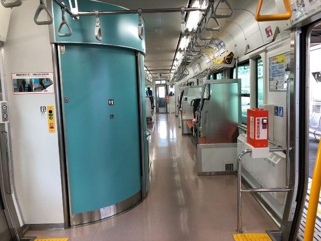 八戸線キハE130系のトイレ部分