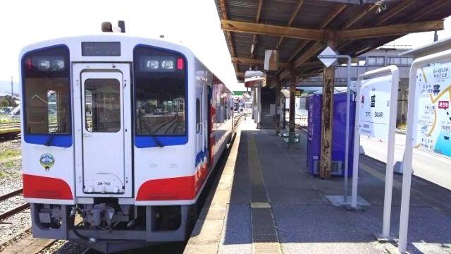 盛駅に停車中の三陸鉄道リアス線