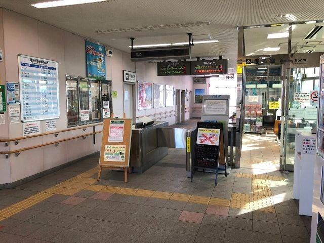 寒河江駅の改札口