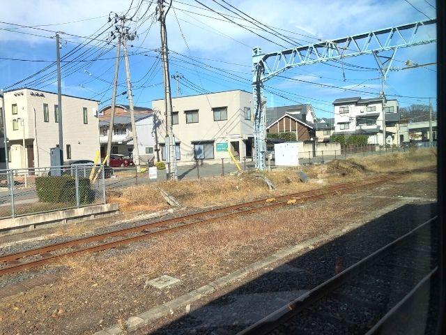 山形駅を出発した左沢線