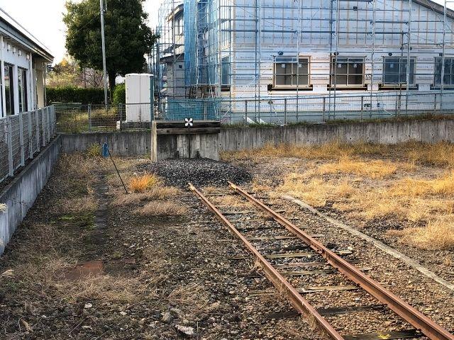 車止めが設置されている左沢駅の線路