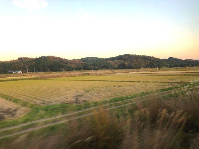 鳴子温泉駅出発後の風っこの車窓