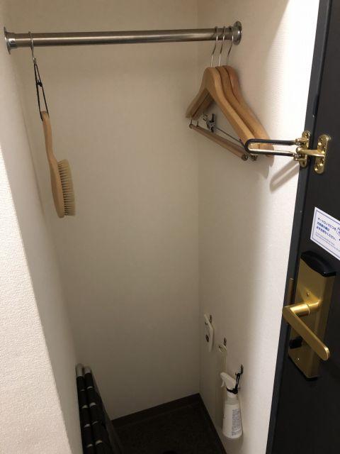 コンフォートホテル仙台西口のダブルエコノミールームのハンガーラック