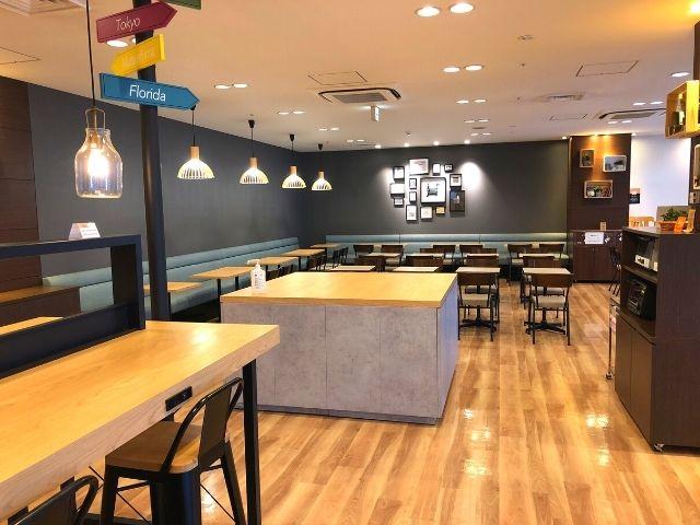 コンフォートホテル仙台西口のライブラリーカフェ