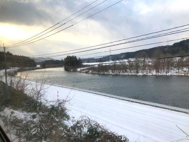 前田南駅を過ぎた後の秋田内陸線の車窓