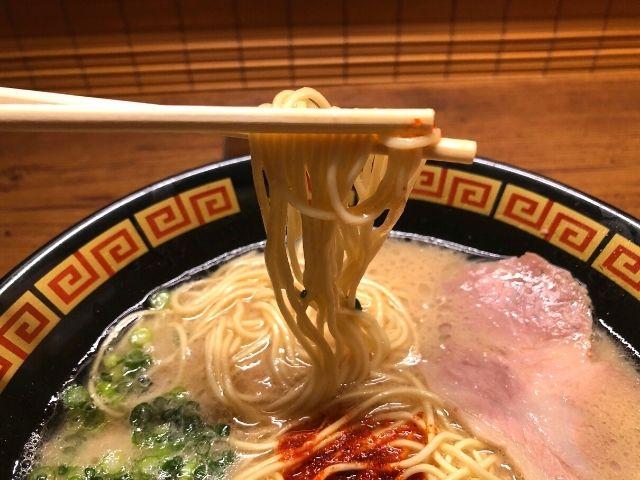 一蘭仙台駅前店のラーメンの細麺