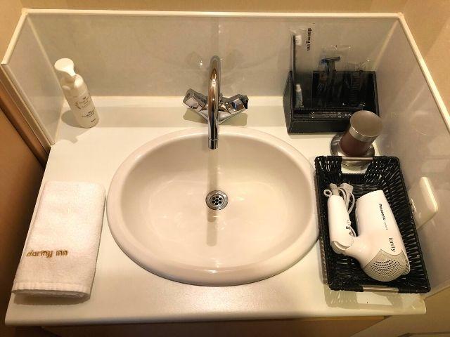 天然温泉 青葉の湯 ドーミーイン仙台ANNEXのシングルルームの洗面台