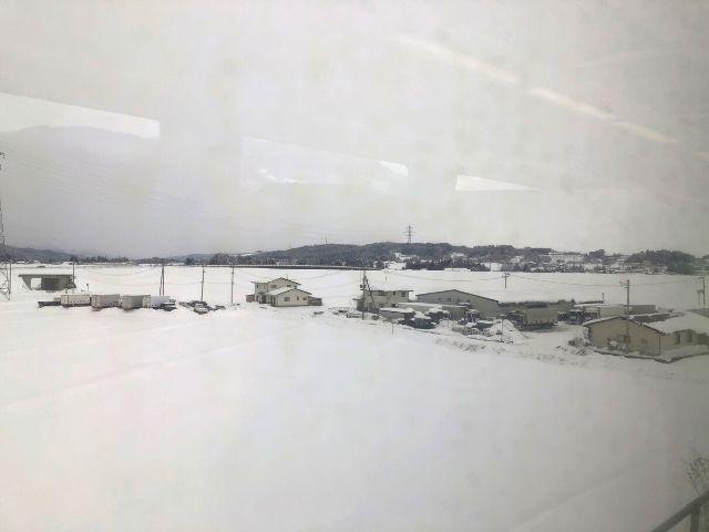 一ノ関駅を出発したジパング平泉の車窓