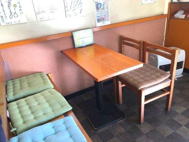 村上屋餅店の座席
