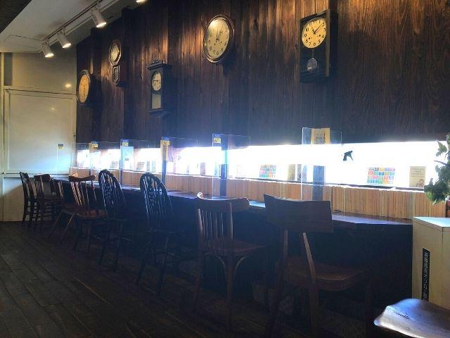 青山文庫の1人用のカウンター席