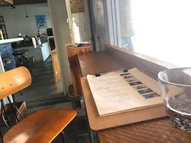 コーヒーマングッドの店内