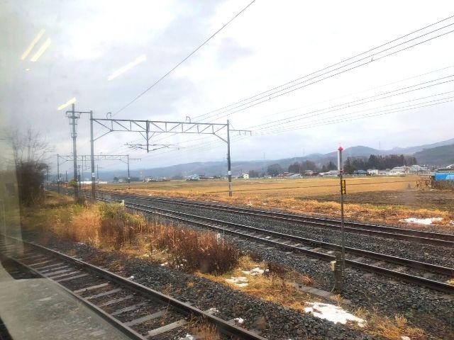好摩駅出発後にいわて銀河鉄道線と分岐
