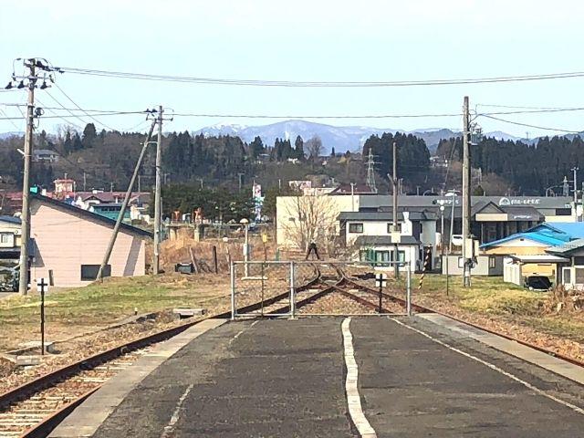 小坂方面へ延伸する予定だった十和田南駅の車止め