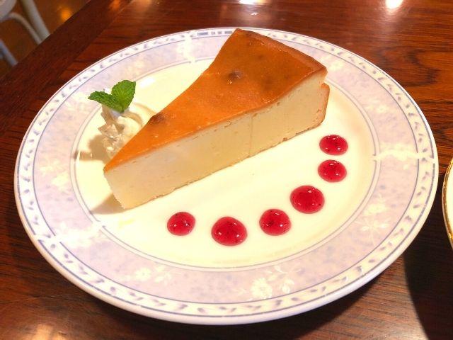 珈琲館蔵のベイクドチーズケーキ