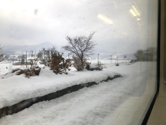 線路が撤去された八幡平駅のホーム跡