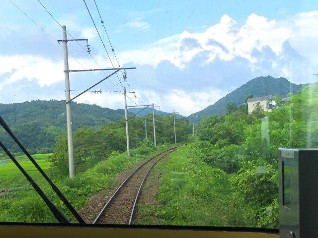 富野駅付近の後面展望