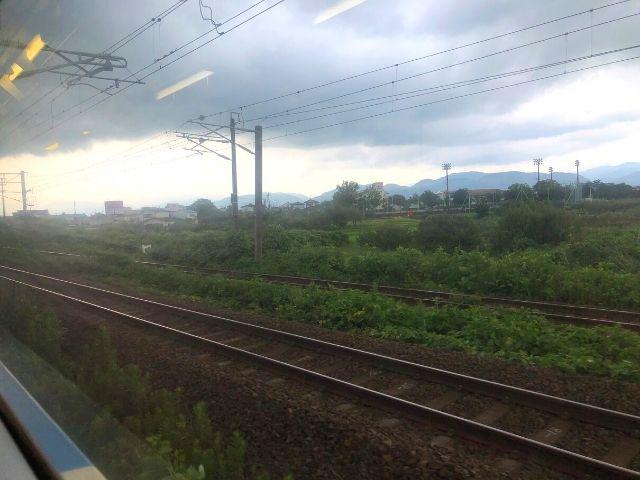 矢野目信号場付近で東北本線と合流