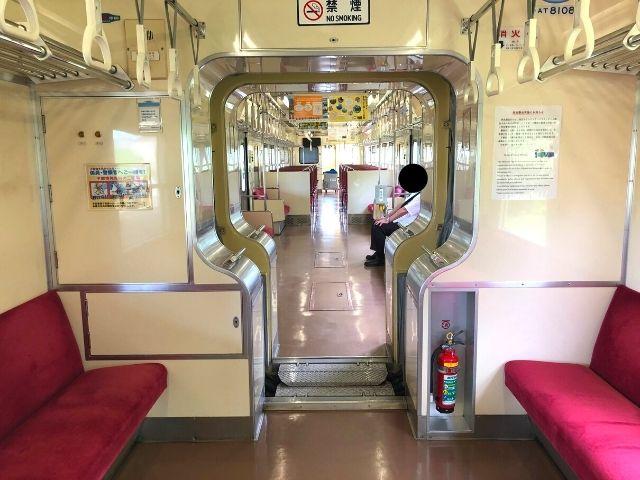 阿武隈急行線8100系の車両の間にはドアはない