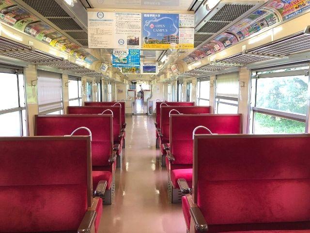阿武隈急行線8100系の車内